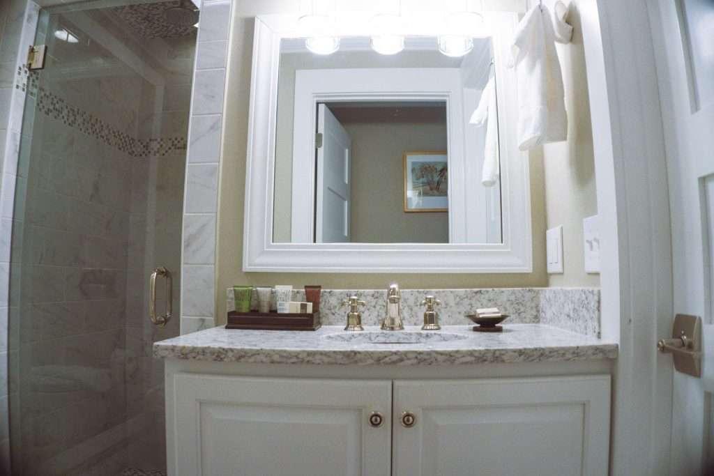 gentry hotel, charleston sc, charleston hotel, gentry hotel bathroom