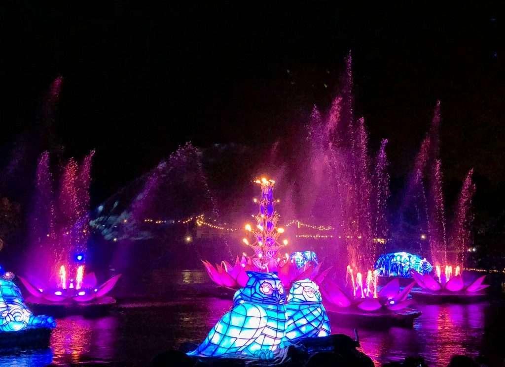 Disney World, 4 parks in 1 Day, How to do 4 Disney parks in 1 day, Disney World tips, Adults at Disney, Magic Kingdom, Epcot, Hollywood Studios, Animal Kingdom, Disney World in a day #DisneyBlogger #DisneyTips #4Parks1Day