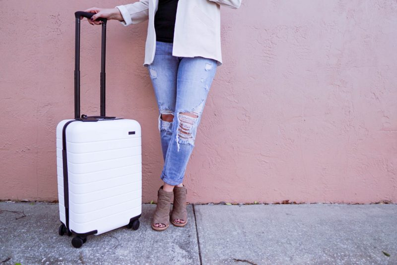 Away luggage, Away carry-on, best carry-on, how to pack for a weekend, weekend getaway luggage, smart luggage, affordable smart luggage, #AwayTravel #AwayLuggage #CarryOn