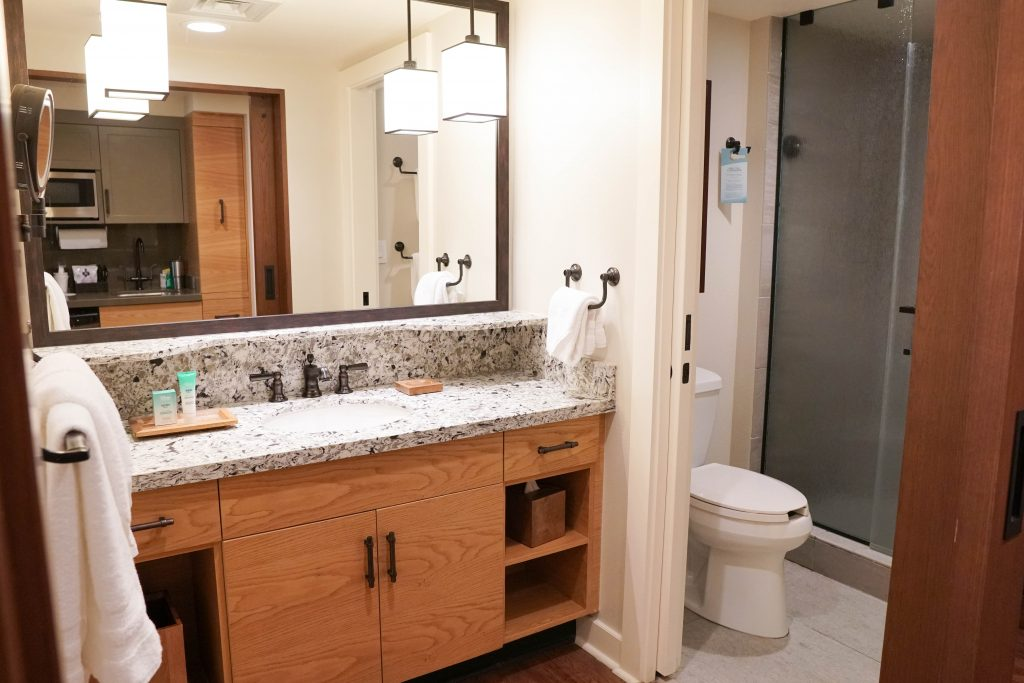 Copper Creek Villas Deluxe Studio Bathroom #waltdisneyworld #disneyresorts #coppercreek