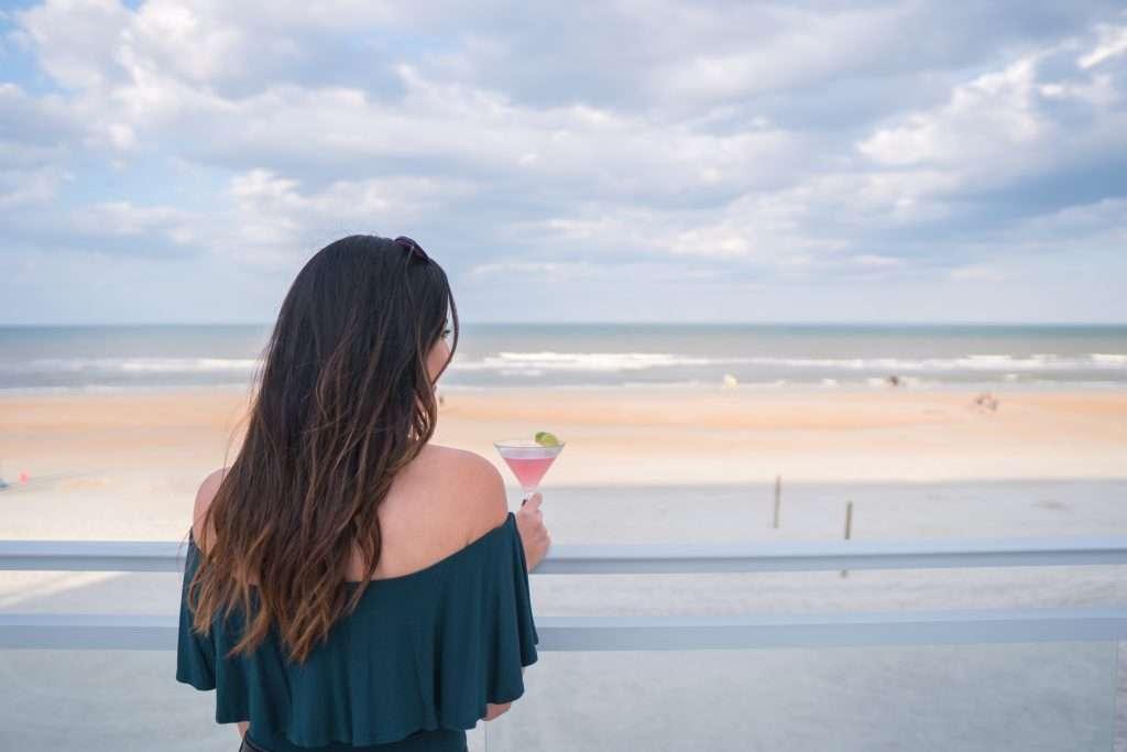 Sessions at Hard Rock Hotel in Daytona Beach // where to get drinks in Daytona Beach