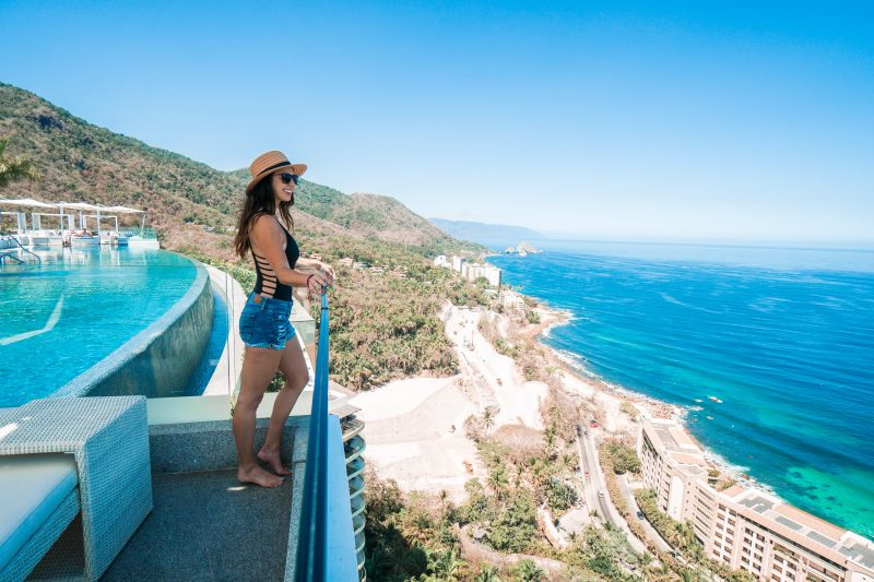 Hotel Mousai - rooftop pool views