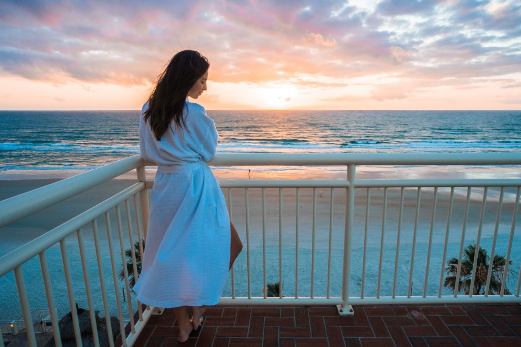 best places to stay in Daytona Beach with a sunrise view